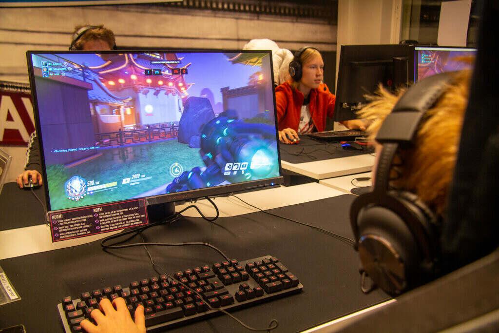 JAMKin GamePitillä leireiltiin esportsin parissa kesällä 2020.